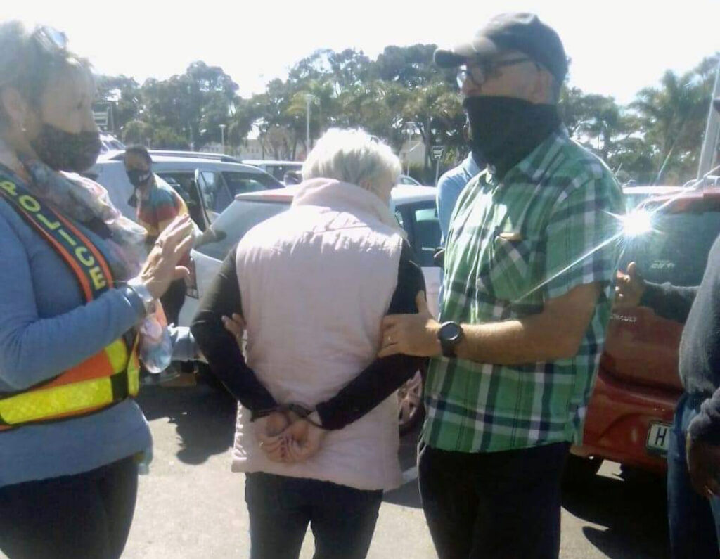 VIDEO: White Woman Pulls Gun on Black South African Protesters