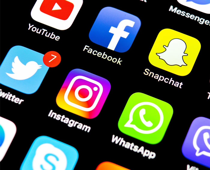 Latinos who consistently use social media are more prone to distress